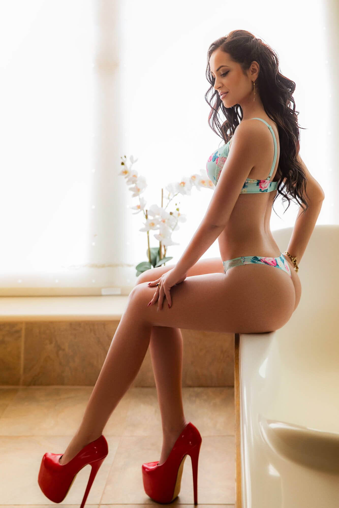 Los Angeles escorts - CEO companions travelling companions adult.