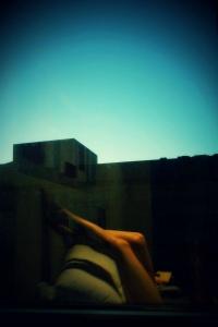 Fiona Lutalica - Legs selfie