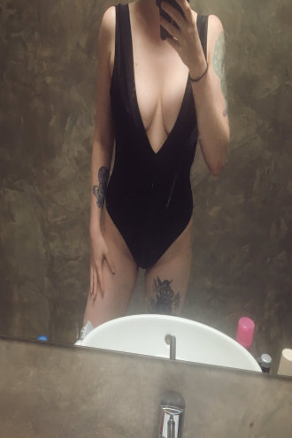 Alicia Darling - Swimsuit mirror shot