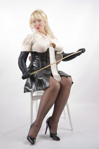 Anita - Ready to punish