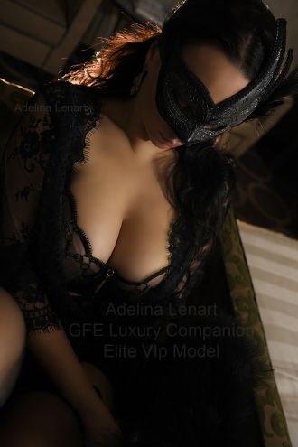 Adelina Lenart  - Exclusve Dinner Date Companion