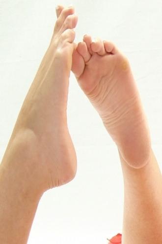 Naughty Nicole - Sexy feet