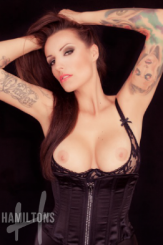 Foxy - Foxy - Extremely Open Minded Escort
