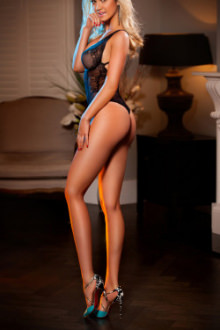 Dani - London escort - Dani - Blonde London Escort