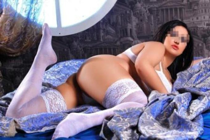Annetta - ...so hot...
