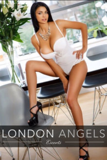 Daniella - London escort - Busty Brunette Daniella