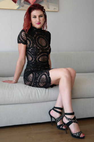 Christina - Surrey escort Christina