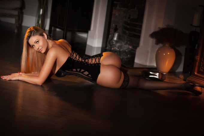 Ella - Ella Escort in London Angels British Club
