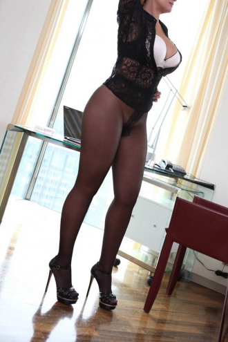 Sofia - Sexy Sofia in nylons