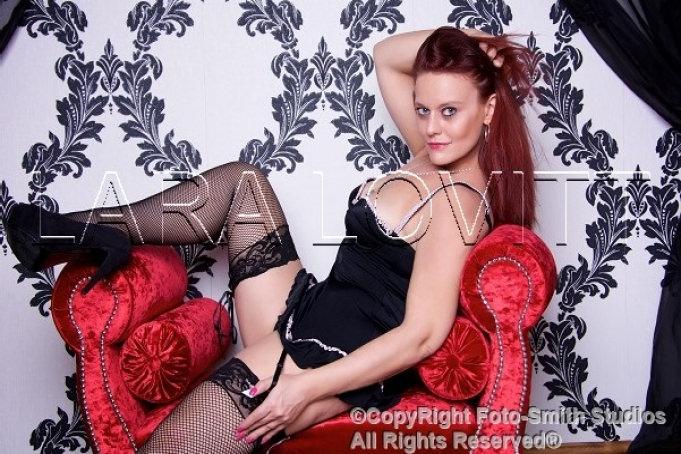 Lara Lovitt - Boudoir Babe