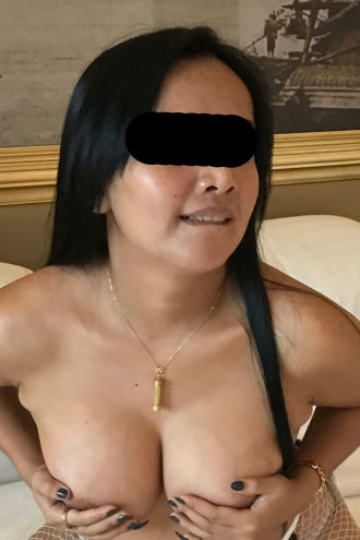 Kinky Tara - boobs