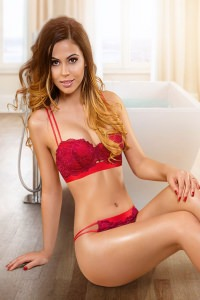 Annissa - Beautiful Royal Escort