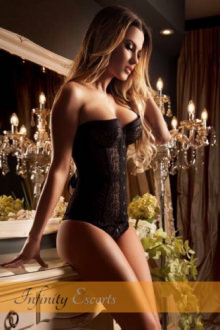 Roselle - London escort - Roselle