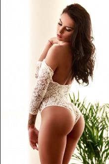 Juliette - London escort - Juliette - A stunning Royal Escort