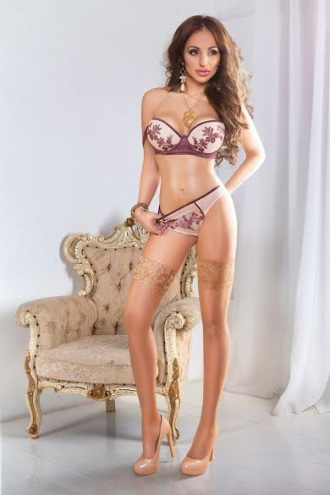 Alexandra - Alexandra Slim Escort