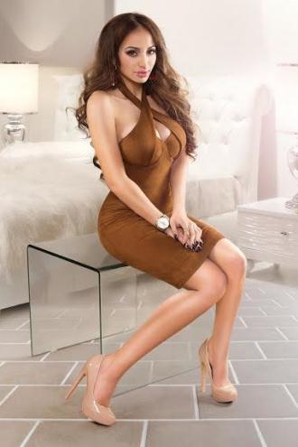 Alexandra - Alexandra Busty Escort