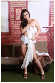 Mina Busty - Bangkok escort - Mina