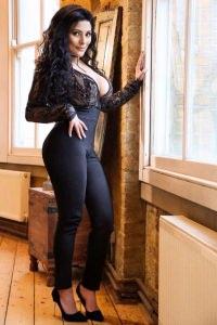 Dina London Escort Bumpix