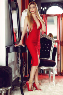 Natasha - London escort - natasha- A stunning Royal Escort