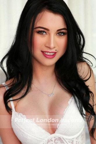 Kylie - Gorgeous Babe!
