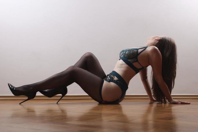 Czech escorts london ebony pornstar escort review pinnacle decors