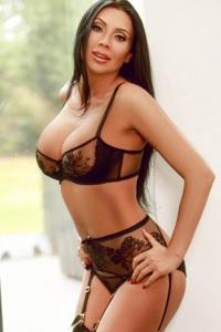 Anastacia - Hot Brunette!
