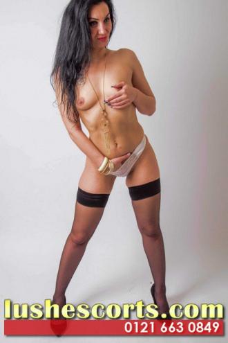 Valentina - dominant brunette escort
