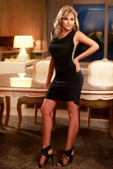 Amira - High Wycombe escort - Amire busty blonde escort in Heathrow