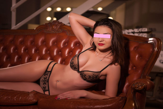 Yasmine - Sexy