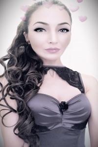 Yasmine - Hottie