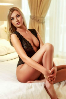 Evie - Greater London escort - Evie