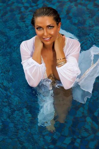 Miss Ava Green - Ava bikini model