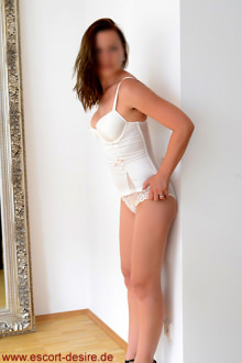 Julia - Berlin escort - Julia