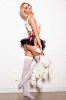 Almi - London escort - Almi