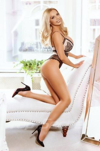Julia Blonde - Julia Blonde