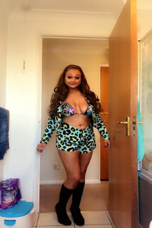 Kylie - Home Counties escort - Kylie English busty escort girl
