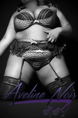 Aveline Noir - b&w