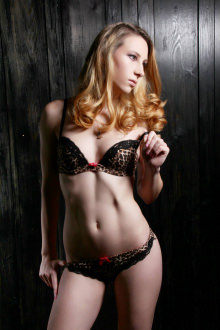 Jennifer - Surrey escort - Jennifer