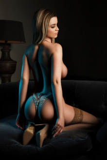 Britney - London escort - Britney