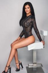 Allyson - Allyson brunette escort