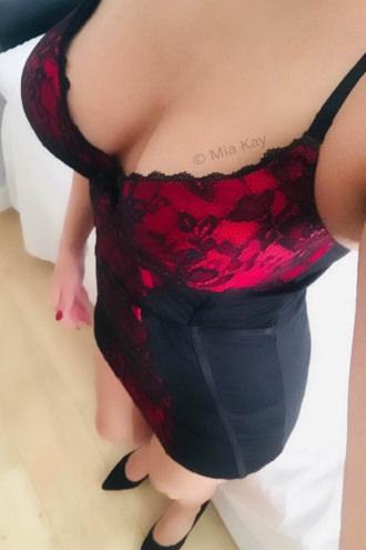 Mia - Tits, Legs & Heels