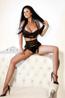 Cora - London escort - Cora busty escort
