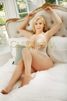 Dolly - London escort - Dolly