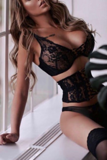 Mila - Chelsea escort - London escort Mila
