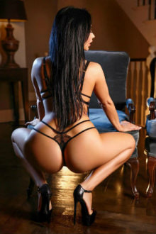 Alice - London escort - www.parklaneescorts.com