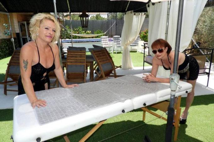 Laila and Sasha - Nothing beats a 4 handed massage outside