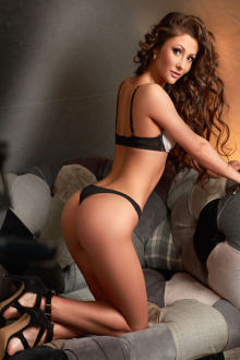 Tia - London escort - Tia