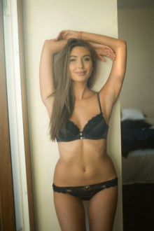 Bella - London escort - Bella