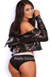 Laura - London escort - Laura
